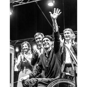 Ezio Bosso grande direttore d'orchestra nel concerto a S.Maria di Castellabate