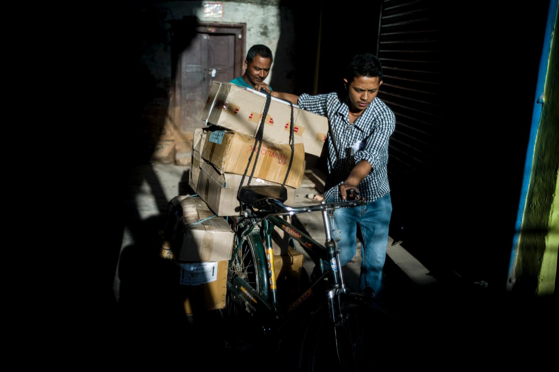 2016 NEPAL  KATHMANDU - STREET LIGHT